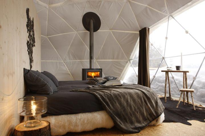 Whitepod - sleep in an iglu near Geneva, Switzerland. This is so awesome!!