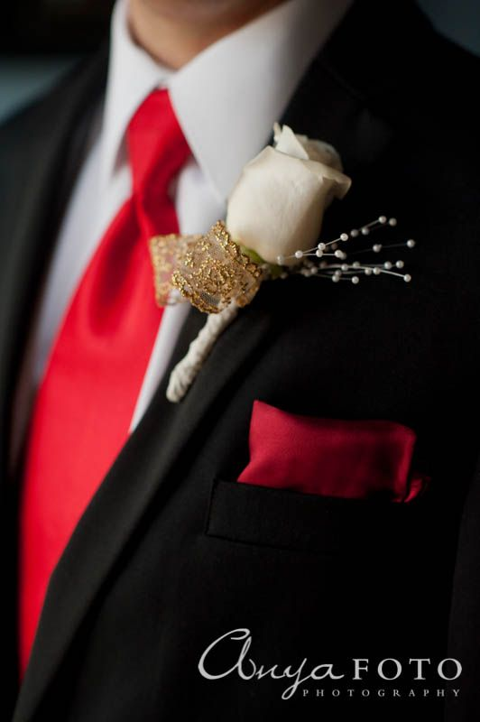 anyafoto.com, wedding boutonnieres, white rose, gold