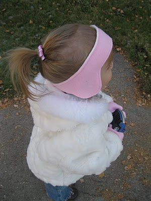 Fleece ear warmers and mittens to make - free easy pattern and tutorial.