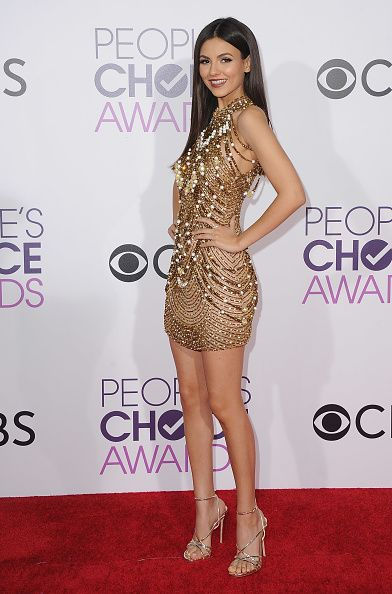 Actress Victoria Justice arrives at the People's Choice Awards 2017 at Microsoft Theater on January 18 2017 in Los Angeles California