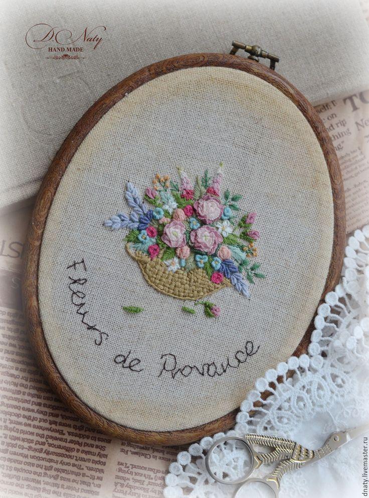 Купить Fleurs de Provance - бежевый, вышивка Рококо, овальная рамка, цветочная вышивка, прованс