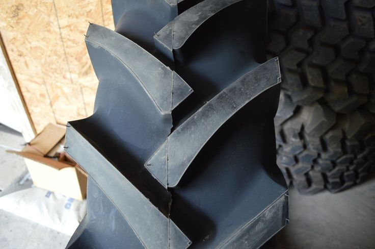 16.9-28 NEW OVERSTOCK R-1 12 PLY BIAS TRACTOR TIRE