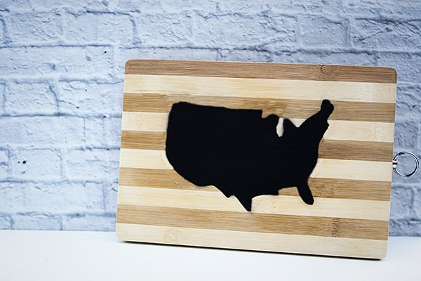 Instructions on how to make this super cute, easy, USA map chalkboard cheeseboard!