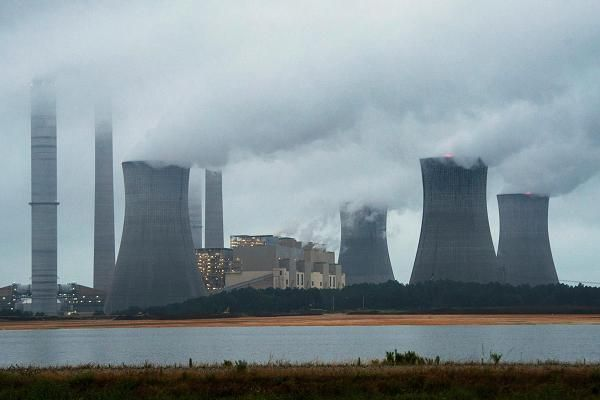 ONE STEP FORWARD, THREE STEPS BACK. Energy Department proposes change to electricity pricing that could boost coal, nuclear plants.