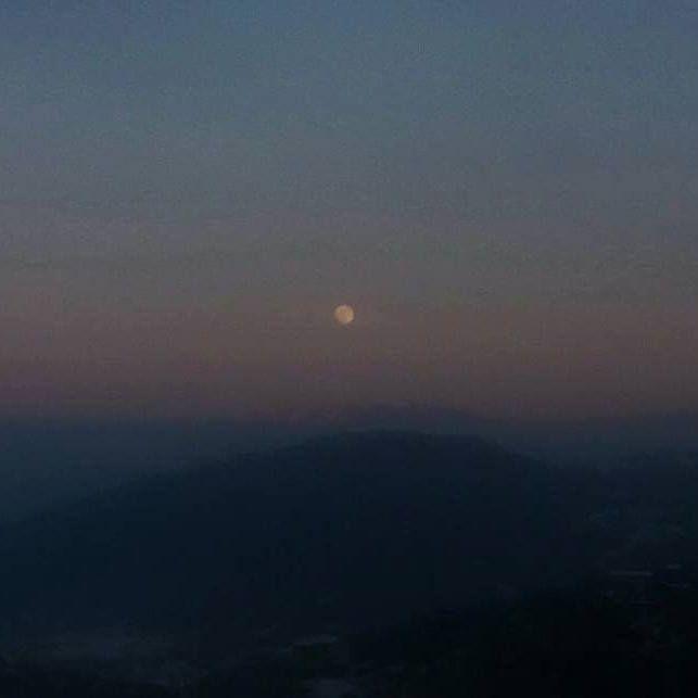 La luna sui monti della Sila Calabria - Italia. Photo Credits: Mariagrazia Bosco #luna #moon #moon_of_the_day #moonlovers #astronomia #astronomy #sila #calabria #igerscalabria #calabriadamare #calabriamia #calabriaphoto #calabriabella #bestcalabria #vivocalabria #calabriadascoprire #photooftheday #amazing http://ift.tt/2j7iSyh - http://ift.tt/1HQJd81