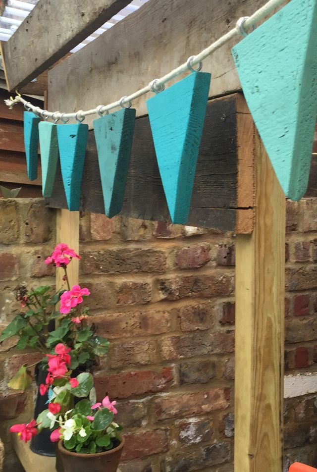 DIY WOODEN BUNTING. Gloucestershire Resource Centre w… #WoodWorking