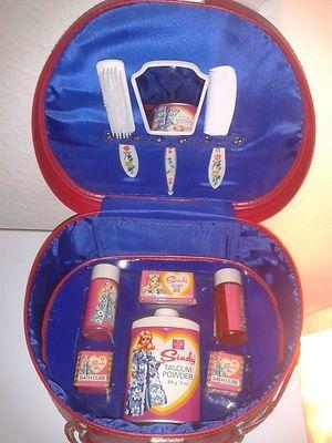 SINDY DOLL VANITY CASE - COMBEX TOYS - MIRROR BRUSH COMB TALC SOAP SHAMPOO ETC   #454844191