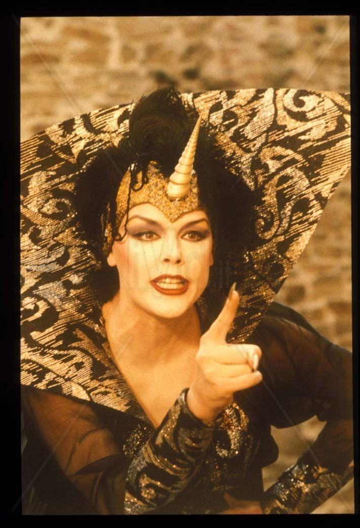 Brigitte Nielsen like dark witch in Fantaghiro 1993.