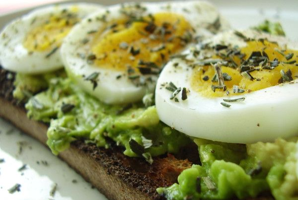 Extra Easter eggs? Mash 1/4 avocado & 1/2 tsp lemon jc; top onto lg slice whole grain toast; top w/sliced boiled egg, fresh tarragon or rosemary + sea salt/black pepper.    Photo: Herbed #Avocado & #Egg Bruschetta