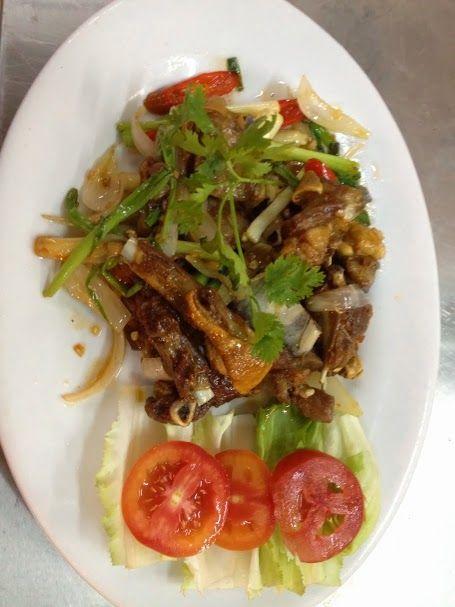 Bạn ăn thử Sườn dê chiên nước mắm chưa??? Chỉ có tại Ẩm thực 9A Trung Sơn, một nhà hàng ở Bình Chánh với nhiều món ăn hấp dẫn mang đậm hương vị Trung Sơn :)