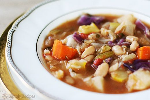 White Bean and Vegetable Soup ~ Hearty white bean soup with onions, cabbage, tomatoes, celery, carrots, potato, squash, broth, and Parmesan cheese. ~ SimplyRecipes.com  (made this tonight...left out the potatoes...not a vegetarian, and didn't miss meat....great soup)