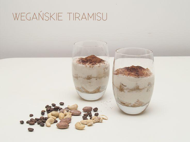 Wegańskie tiramisu, jogurt z nerkowców