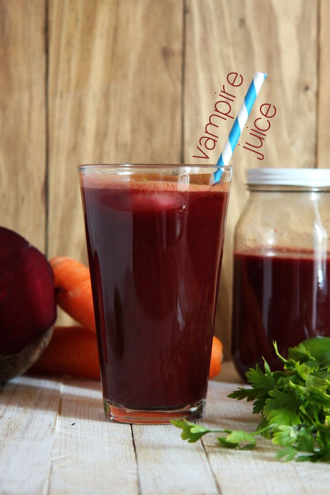 Vampire Vegetable and Fruit Juice {without using any fancy equipment} // 24 Carrot Life