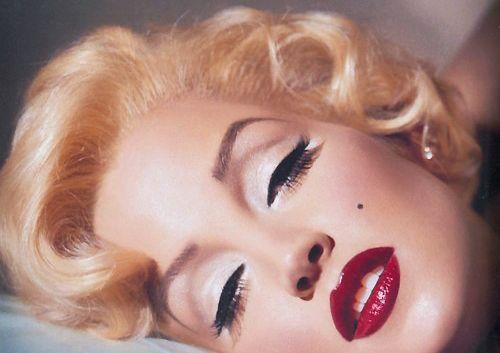 Lisa Marie Presley as Marilyn Monroe - makeup by the late great Kevyn Aucoin