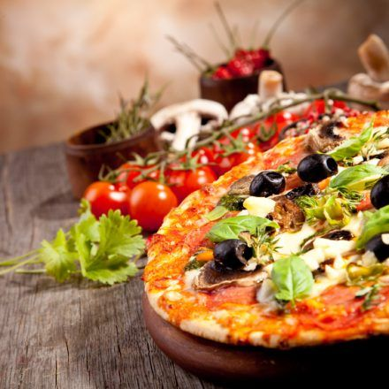 Domenica - Italian Restaurants - Order a delicious thin crust pizza here to go and enjoy it while having your vacation in New Orleans in Domenica