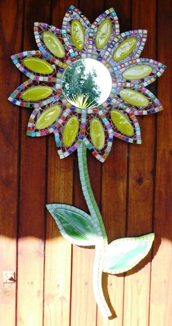 Mosaic Flower - this is SO happening in my house soon.