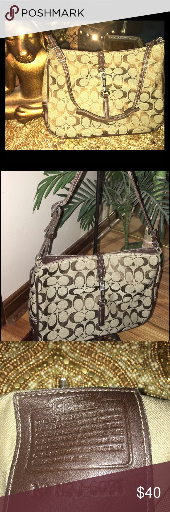 Authentic Coach Purse Brown Coach Shoulder Purse. Very clean, no stains, rips or tears. Coach Bags Shoulder Bags
