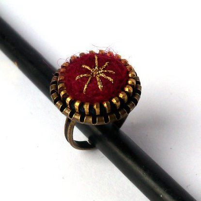 Unusual Zipper Ring, Maroon ring, Felt ring, Zipper handmade jewelry.  via Etsy.