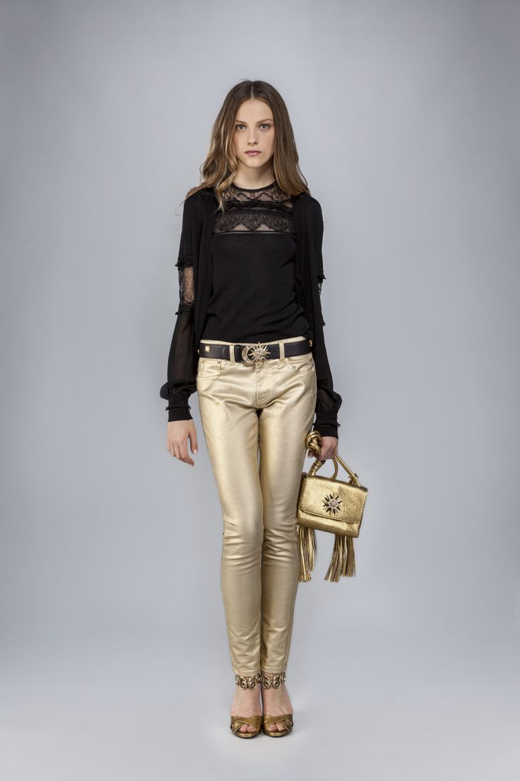 5-pocket skinny trousers in gold laminated stretch drill.<br>Made in Italy<br>The model's measurements are:<br>Height 173cm, Bust 84cm, Waist 60cm, Hips 85cm which generally refers to a size 40