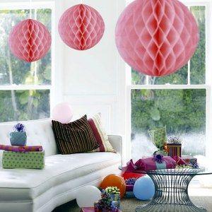 Een extra grote honeycomb decoratie bol om op te hangen. Perfect voor themafeesten op kleur. <br>Doorsnede: 50cm.  foto 1
