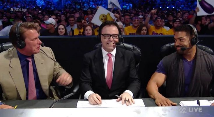 There have been quite a few Mauro Ranallo rumors circulating as of late, and he got people talking when he removed mentions of WWE from his Twitter profile.