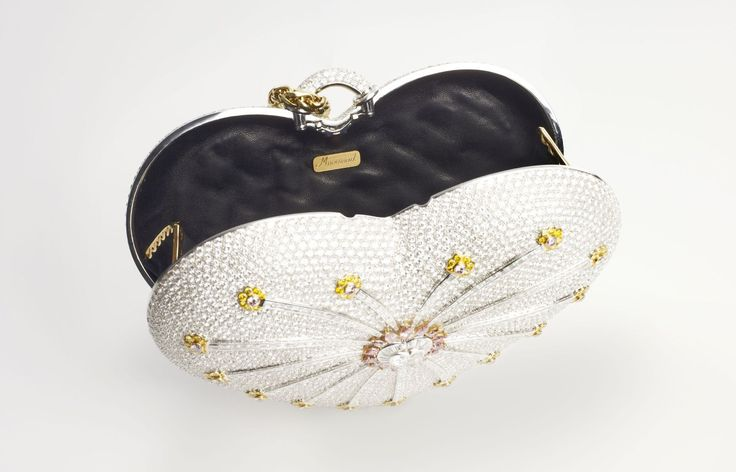 OK - if I had 3.8 mm to spend on anything I wanted, this would not be it.  Worlds-Most-Expensive-Handbag-4.jpg (1200×770)