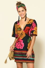 vestido curto maxi flora barrado