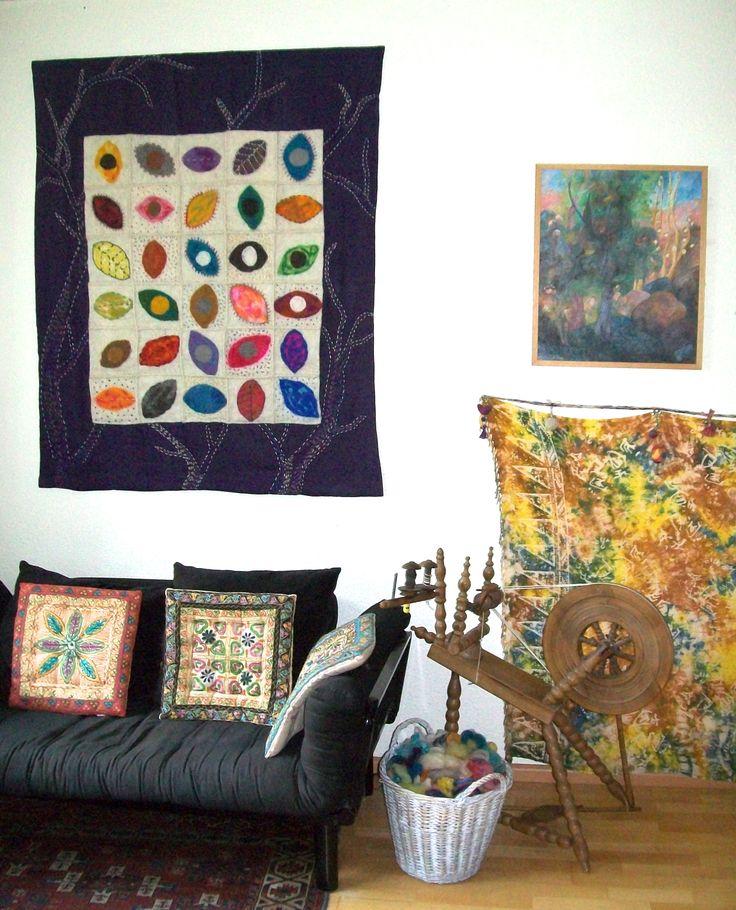 Les feuilles mortes. Wandkleed van linnen, hand gesponnen wol en vilt. 120 x 143 cm