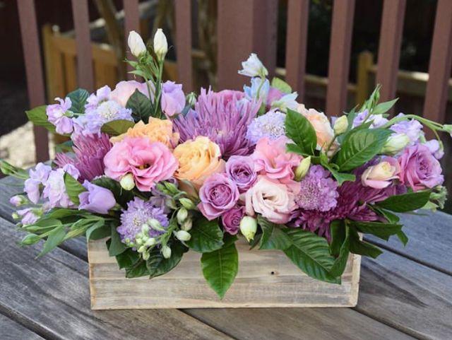 Pin By Paula Prasetya On Rustic Wedding Flowers Flower Arrangements Rustic Wedding Flowers Floral Arrangements