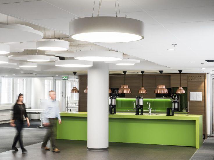 In Turku tax administration office in Finland hebben ze meerdere akoestieke oplossingen van Ecophon toegepast in verschillende ruimtes van hun kantoor. Doe inspiratie op en bekijk de slideshow van dit bijzondere kantoor. @Turku Tax office