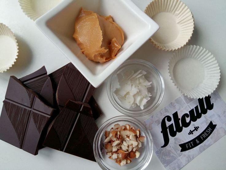 Čokoládové košíčky plnené arašidovým maslom (Recept)