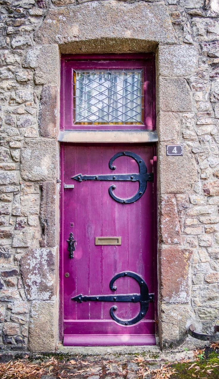 Sainte-Suzanne, Mayenne, France ..rh