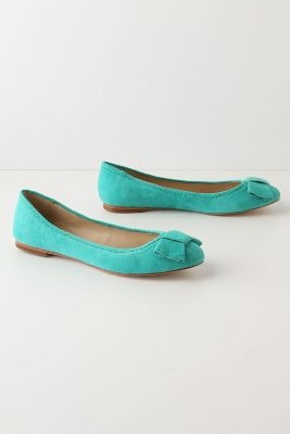 I adore anything that is the same color of a #Tiffany box! That's why I am crazy about these flats. Pair these with a white bubble skirt and coral jewelry.
