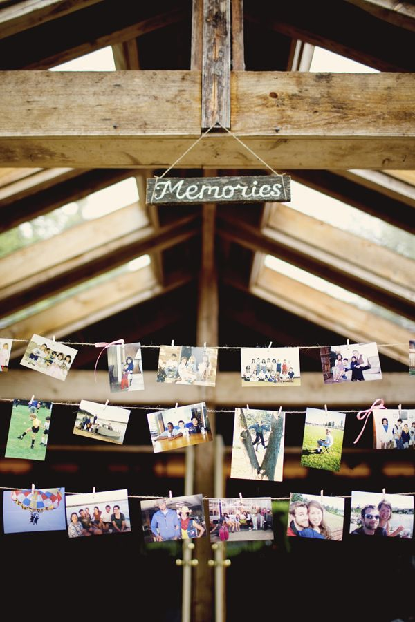 a good idea to show your love story at weddingPhotos Hanging, Photos Ideas, Cute Ideas, Friends Wedding, Families Photos, Parties Ideas, Photos Display, Memories Boards, Pictures Wall