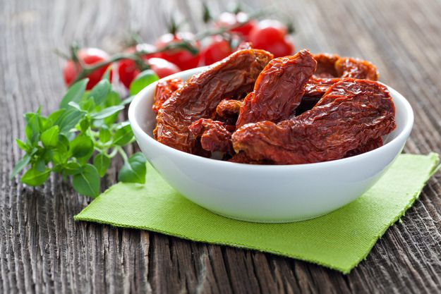 Как приготовить вяленые томаты: секреты + 2 рецепта