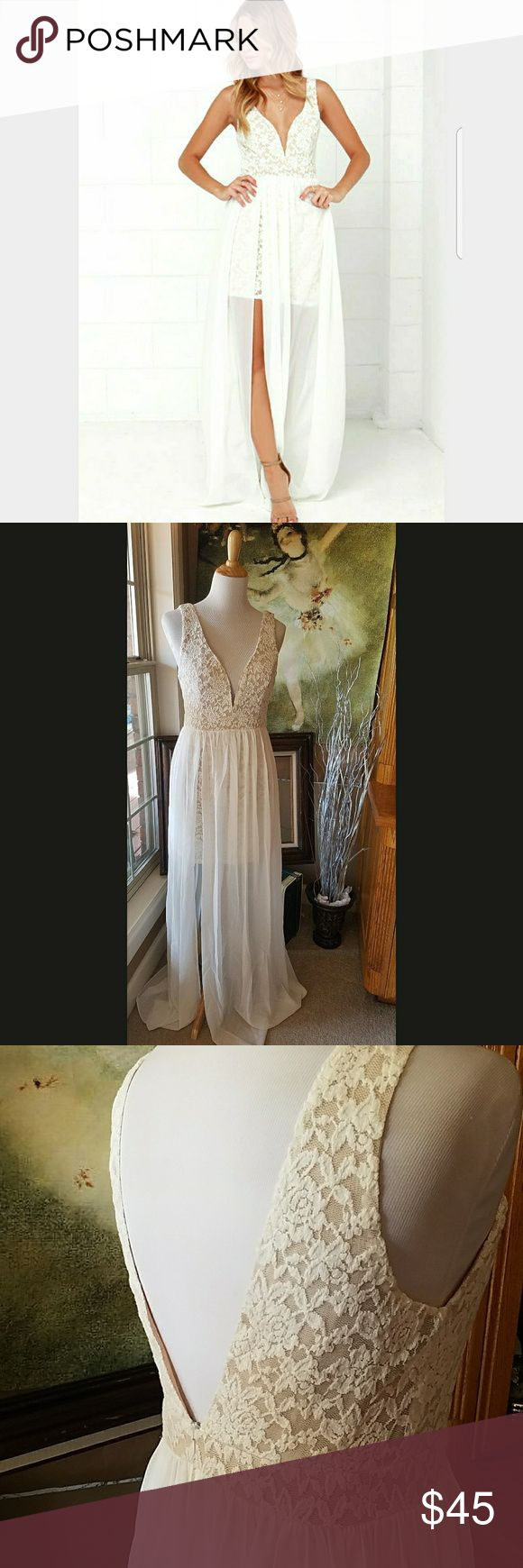 Major ☇! 1 HOUR! Ark&Co NWT OFF White Lace Maxi! Stretchy floral lace over beige. Plunging neckline with built in u bar for structure. SHEER chiffon skirt parts exposing a little leg. Natural waistline and stubby on anyone! Low V back create some drama. Ark & Co Dresses Maxi