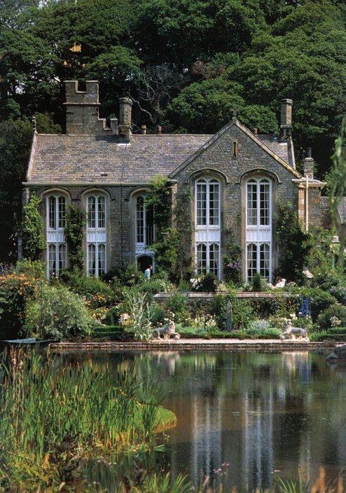 Gresgarth Hall, Caton, Lancaster (The garden of garden designer Arabella Lennox-Boyd)
