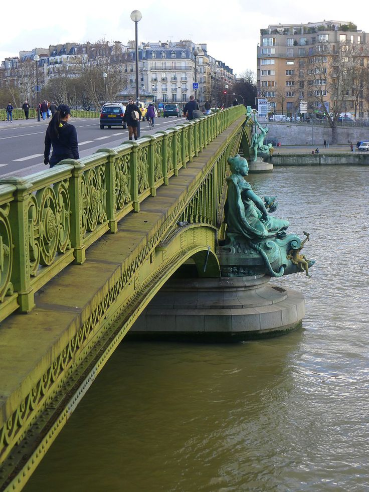 pont mirabeau paris you never get bored in paris so many historical things to see so many. Black Bedroom Furniture Sets. Home Design Ideas