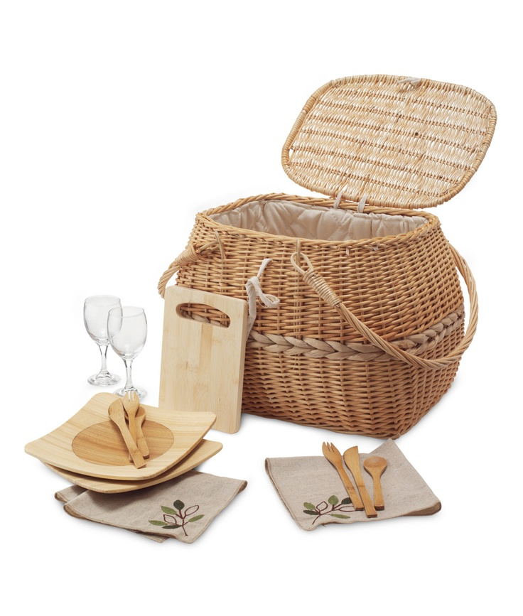 Eco picnic basket set  This would be cool for family adventures