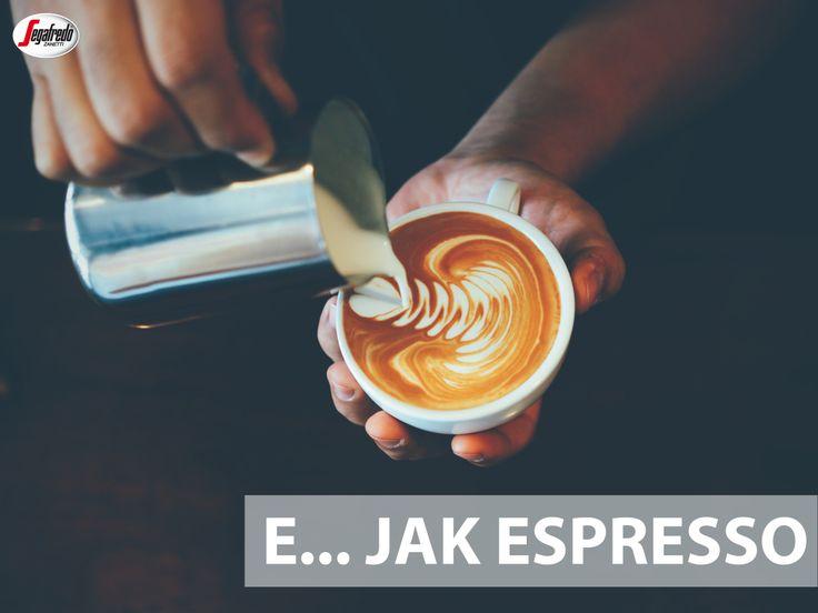 Absolutna podstawa włoskiego świata kawy, baza do przyrządzania najrozmaitszych napojów, a przy tym najbardziej esecjonalna forma podania.  Espresso - czyli 25 ml kawa przyrządzona w czasie 25 sekund z 7,5 g mieszanki. #segafredo #segafredozanetti #segafredozanettipoland #kawowysłownik #espresso #coffee #kawa #coffeetime #italiancoffee #italianstyle #italy