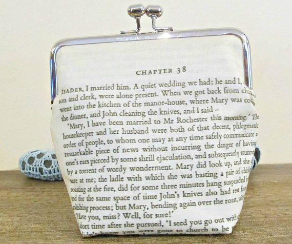 Bourse dembrayage de Jane Eyre. Porte-monnaie sac citation    https://studios.amazon.com/users/222214