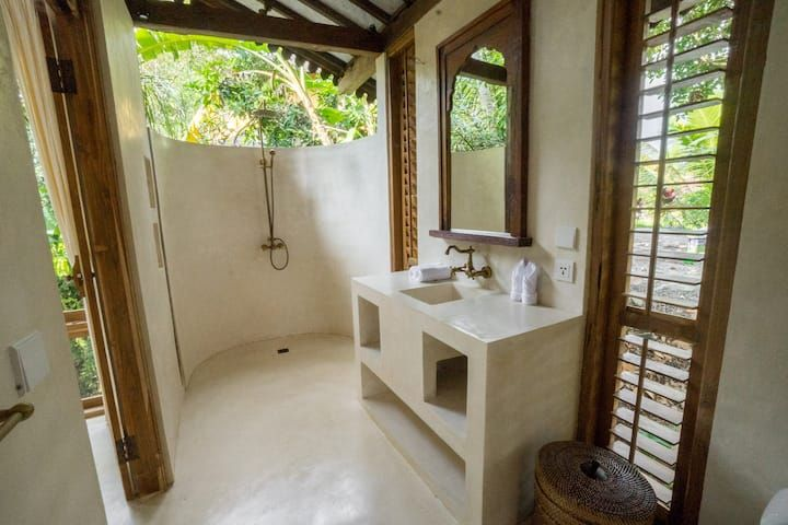 Cahaya Skai Joglo Treehouse With Ricefield View Villas For Rent In Gianyar Bali Indonesia In 2021 Bali Tree House Gianyar