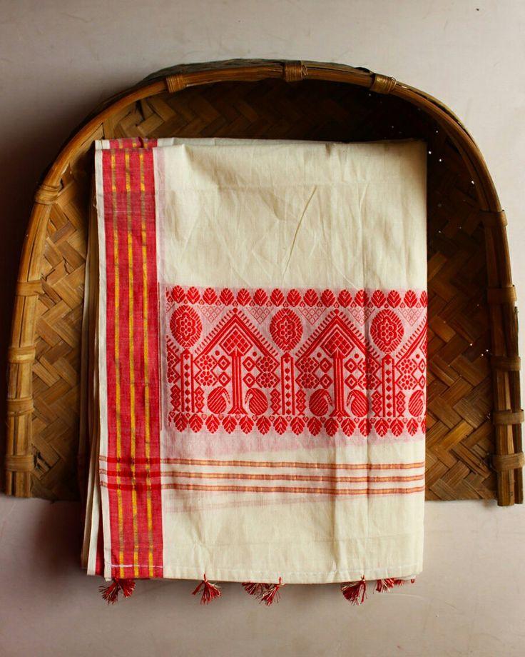 White handloom khadi cotton dupatta from Assam