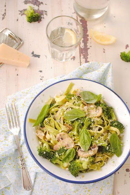 Cocinando con Neus: Paglia e Fieno con brócoli y champiñones al limón