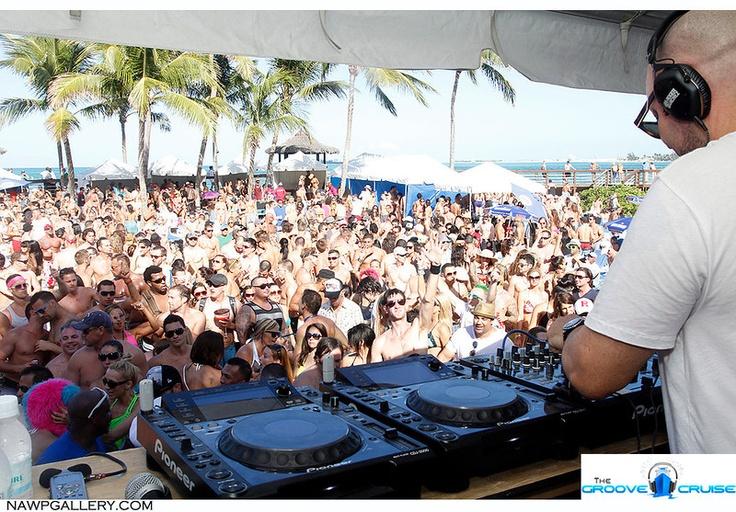 Roger Sanchez in the Bahamas!