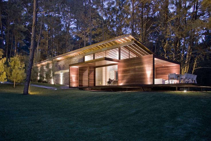 Шикарная резиденция в лесу от компании Elias Rizo Arquitectos #Architecture #Design