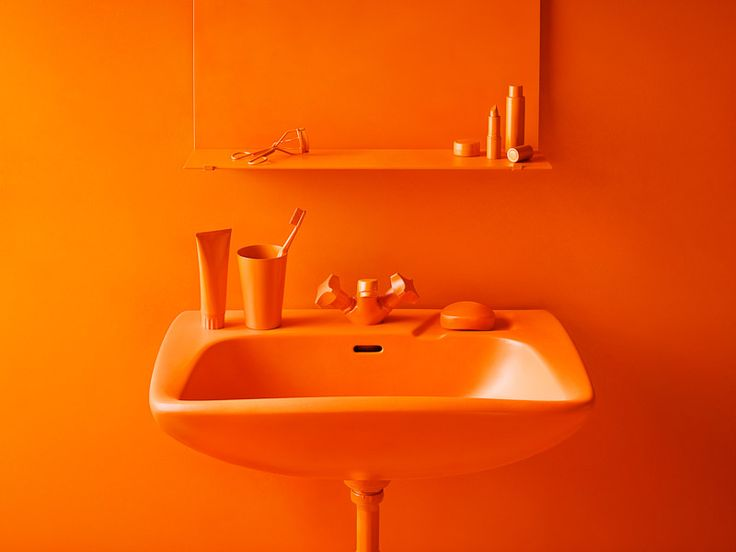 colorsporn:  Featuring the best visual artists around the web.Curated by FRANCESCA POZZIare you an artist or a  photographer? Write me, so I can reblog your artwork back!Please reblog with artist's credits.Monochrome still life in orange // Photographer Emelie Otterbeck