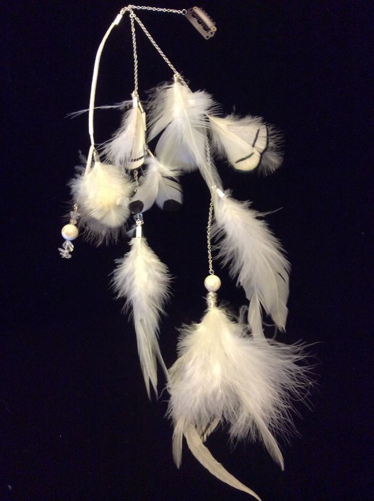 Withe feathers clip in hair feathers jewellery with howlite and clear crystal