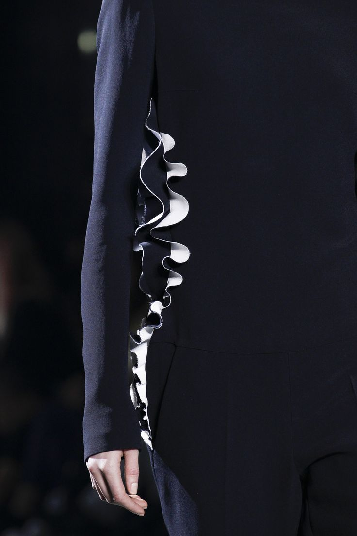 Haider Ackermann Fall 2016 Ready-to-Wear Fashion Show Details