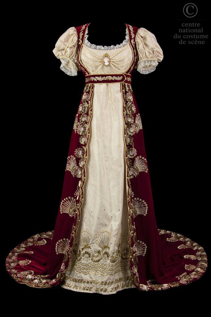 costume de style empire robe taille haute en moire rose p le manches ballons avec rangs de. Black Bedroom Furniture Sets. Home Design Ideas